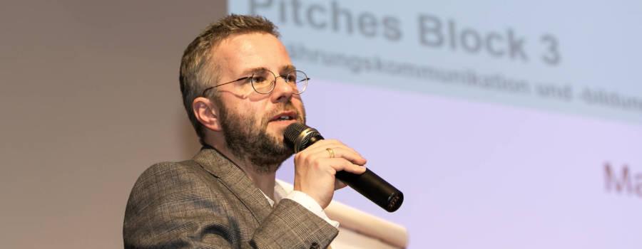 Podiumsdiskussion mit Politik, Wirtschaft, Medien und Wissenschaft