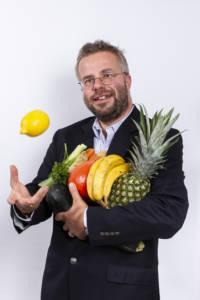 Kochbuch, gesunde Ernährung, Kochen mit Kindern, Corporate Media, textoase, Dr. Tobias D. Höhn, Leipzig, Taucha, Ernährung, Kinderküche, nutriCARD, Corporate Publishing